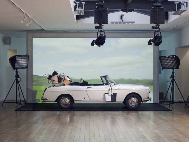 日前DELVAUX在巴黎以靜態展出發表2020春夏系列。圖/DELVAUX提供