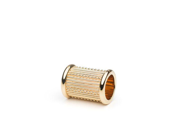WondeRings是DELVAUX 2020春夏全新的裝飾釦環。圖/DELVA...