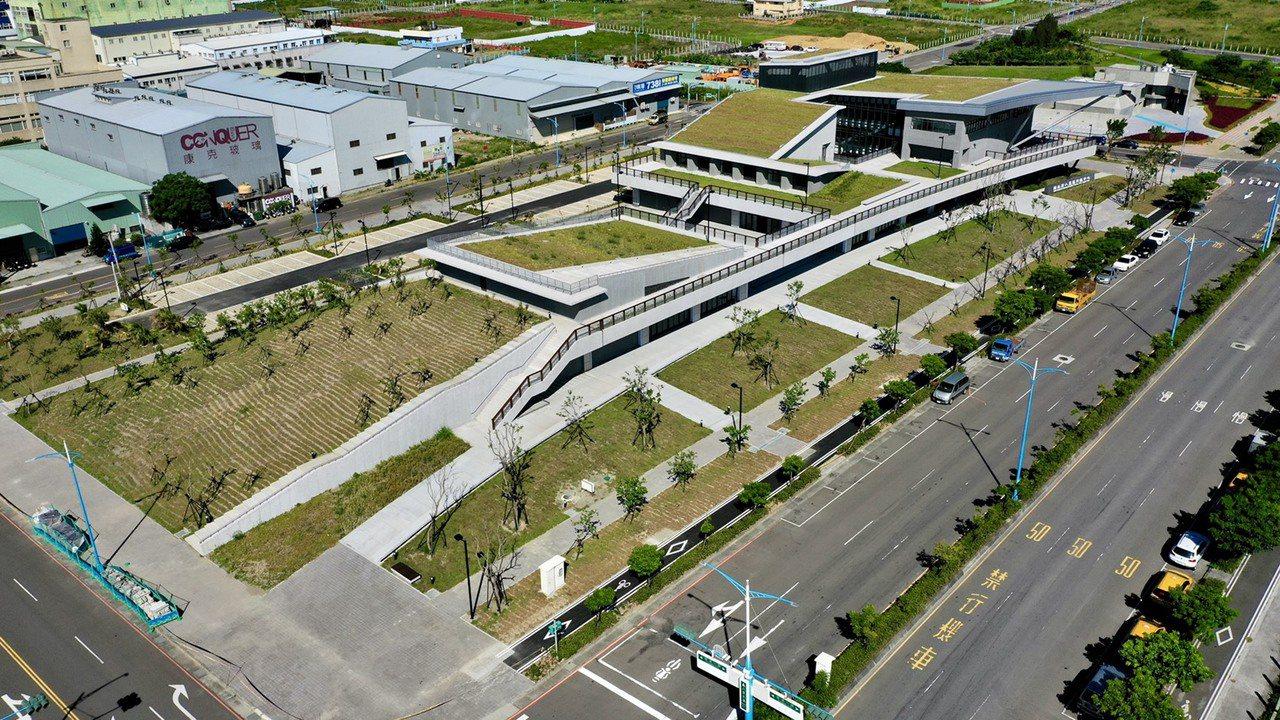 新北市八里行政大樓 預計年底啟用