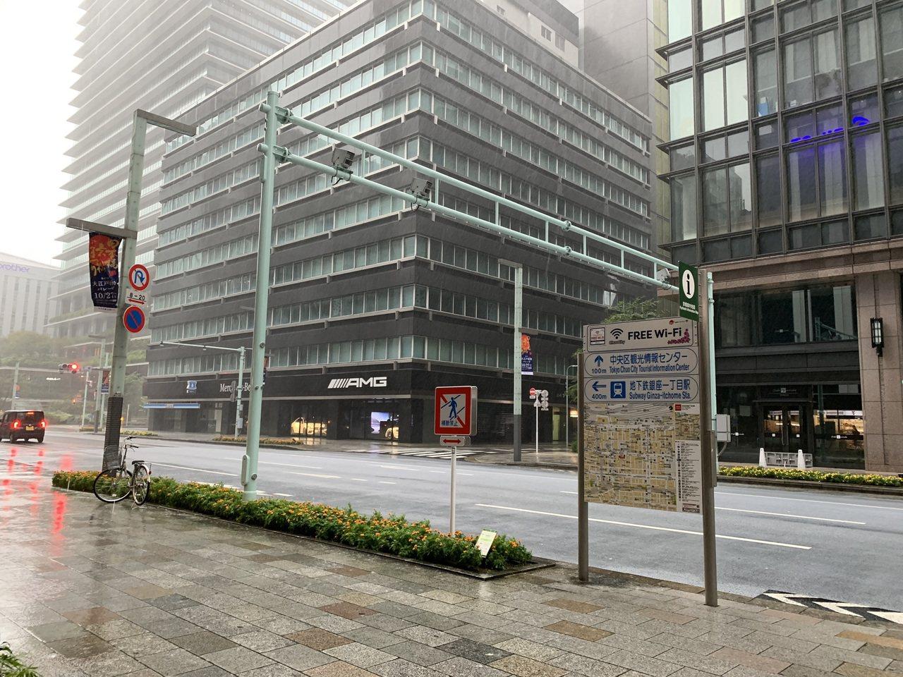 原本熱鬧的東京街頭,因颱風而顯得冷清。圖/民眾D小姐提供