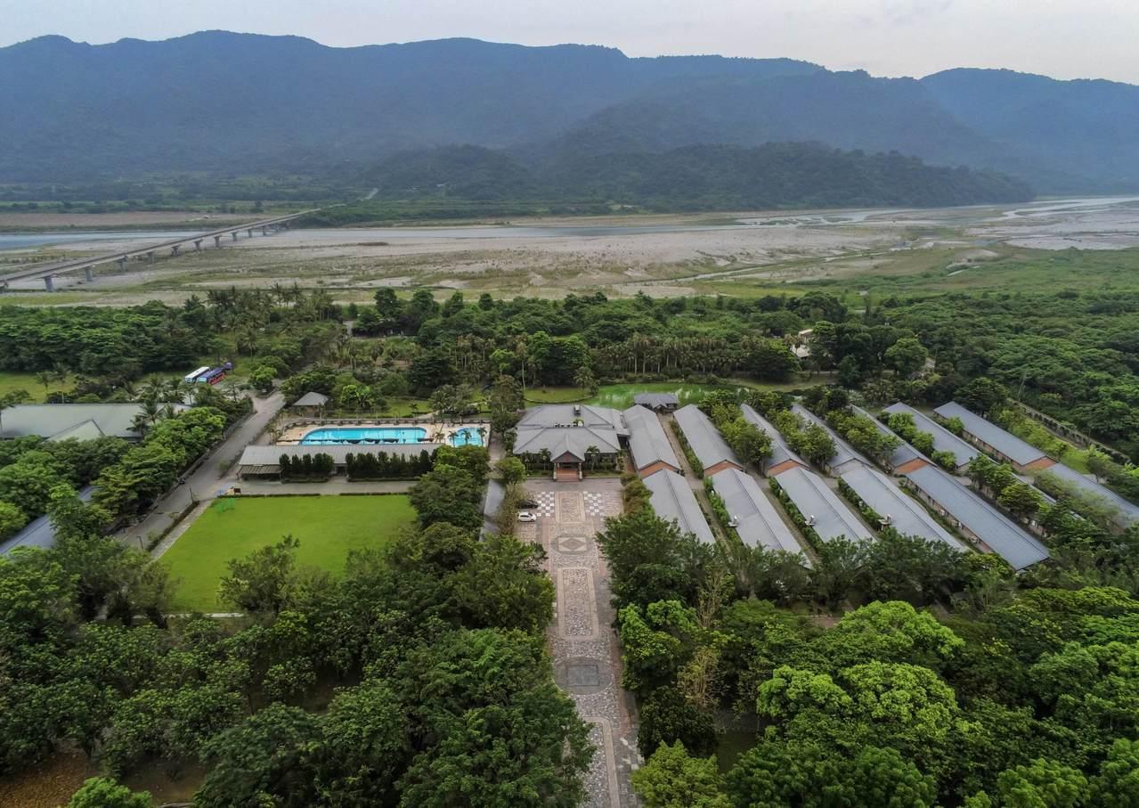 奔波全台守護3千棵大樹 花蓮怡園渡假村獲環教場所認證