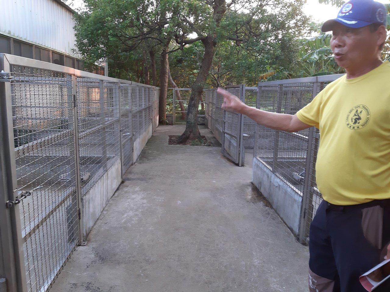 位於桃園楊梅的龍杰訓犬中心是知名警犬訓練所,近日爆出訓犬員虐待、飼養環境堪慮等爭...