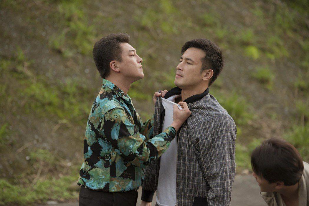 傅子純(右)帶頭抗爭,遭到惡老闆挾怨報復。圖/公視提供