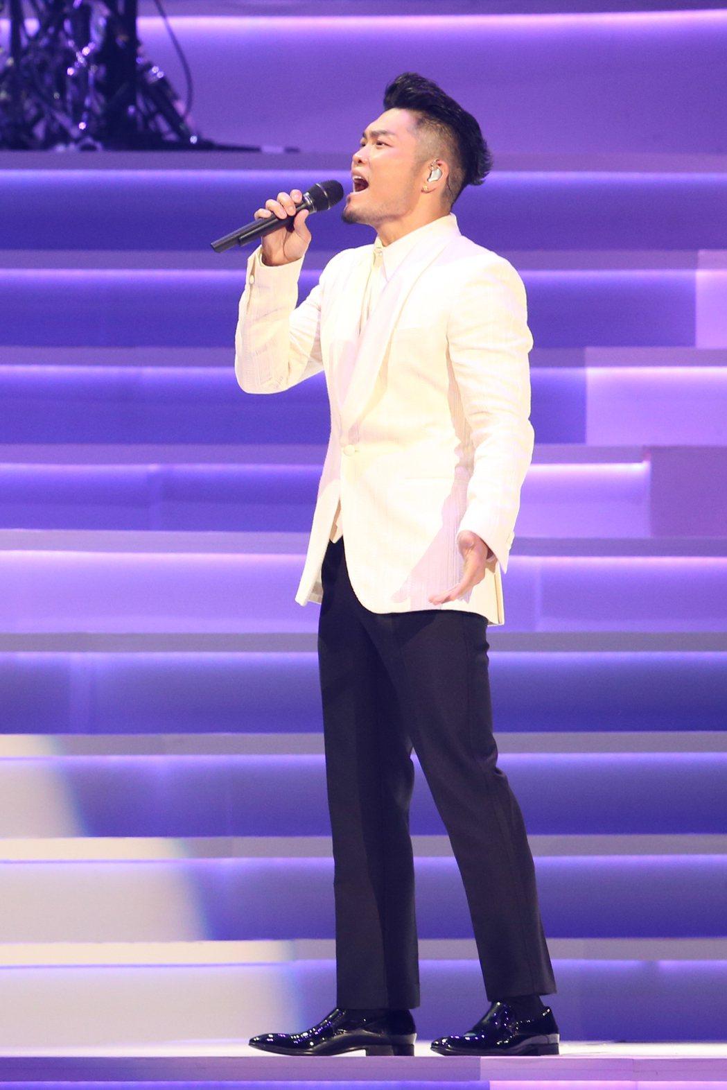 今曲歌王李玖哲首度破蛋,頻頻哽咽落淚,展現真性情。記者葉信菉/攝影
