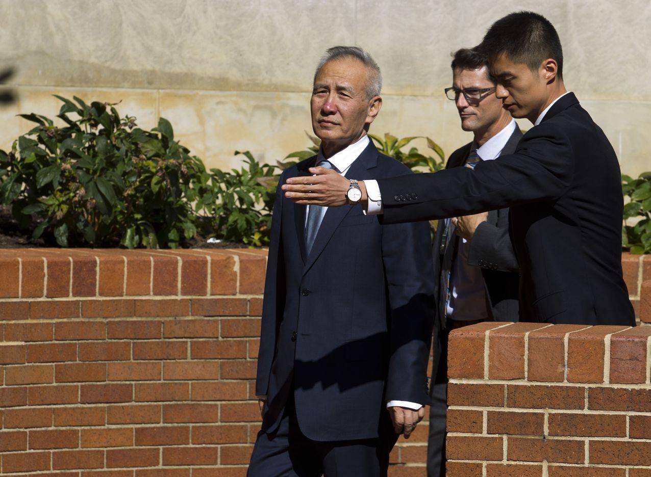 談判結束後,劉鶴離開美國貿易代表署。 (美聯社)