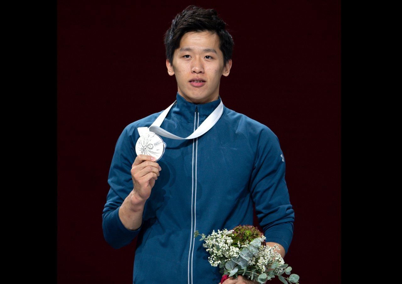 「鞍馬王子」李智凱12日在世界體操錦標賽鞍馬決賽,摘下銀牌。 歐新社