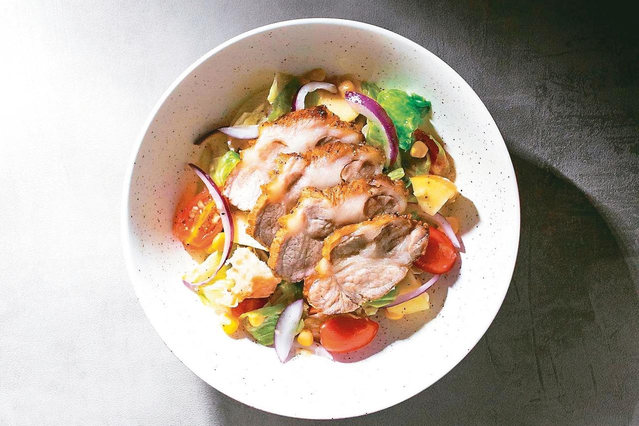 薄鹽燒肉佐優格沙拉。 圖/台灣廣廈提供