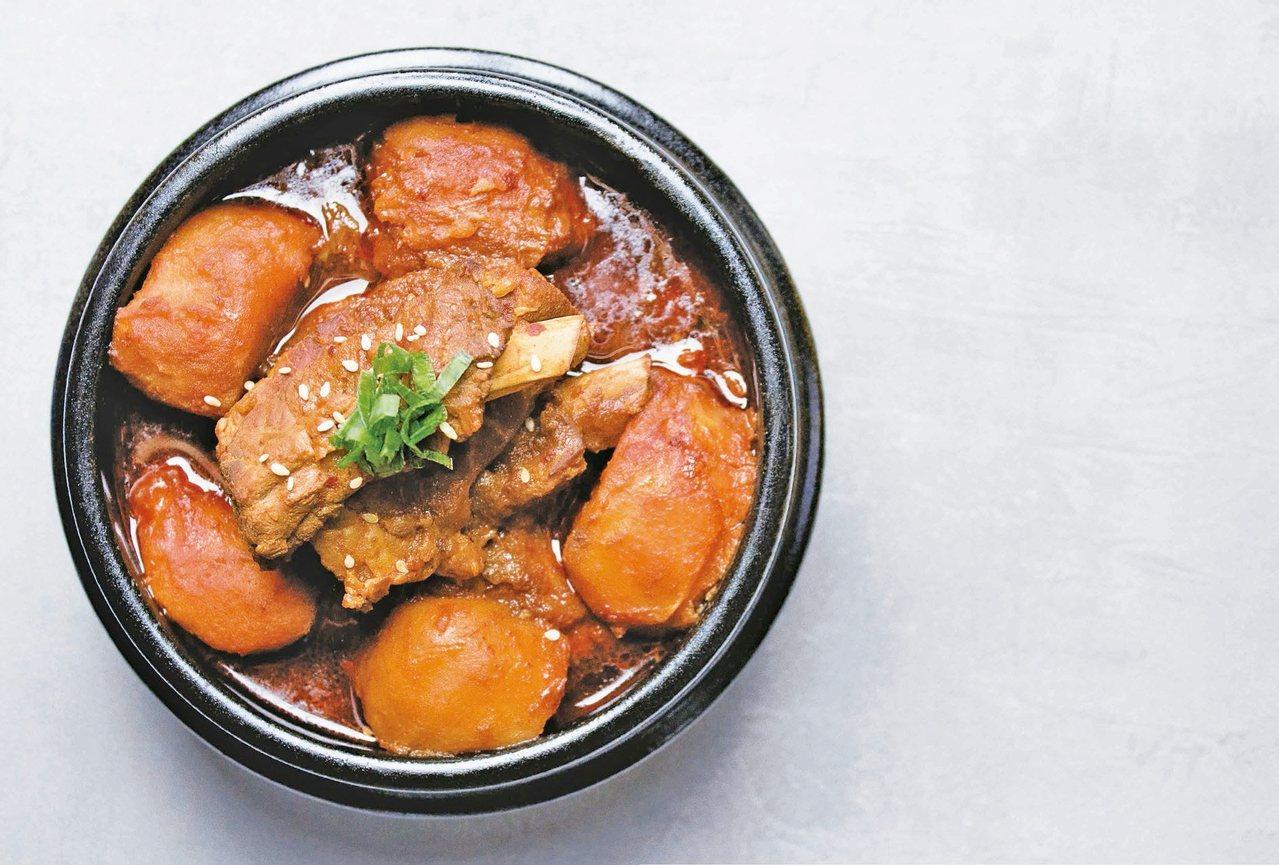 韓式馬鈴薯燉肋排。 圖/台灣廣廈提供