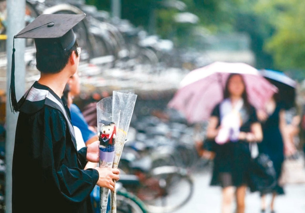 近五年畢業生平均找到第一份工作約需2.78個月。 圖/聯合報系資料照片