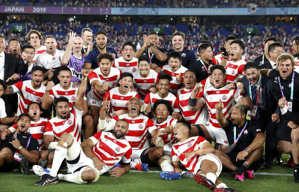 第9度出賽世界盃橄欖球賽的日本隊首度晉級8強,刷新歷史,球迷欣喜若狂。 美聯社