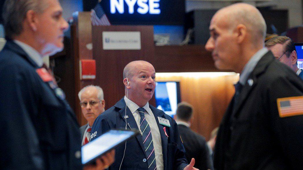 上周美股終結連三周下跌的頹勢,而令債市投資人談之色變的經濟指標也翻空為多。 路透