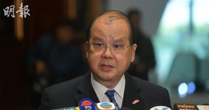 香港政務司長張建宗在網誌說,復會當日,行政長官會在立法會宣讀新的施政報告,致力處...