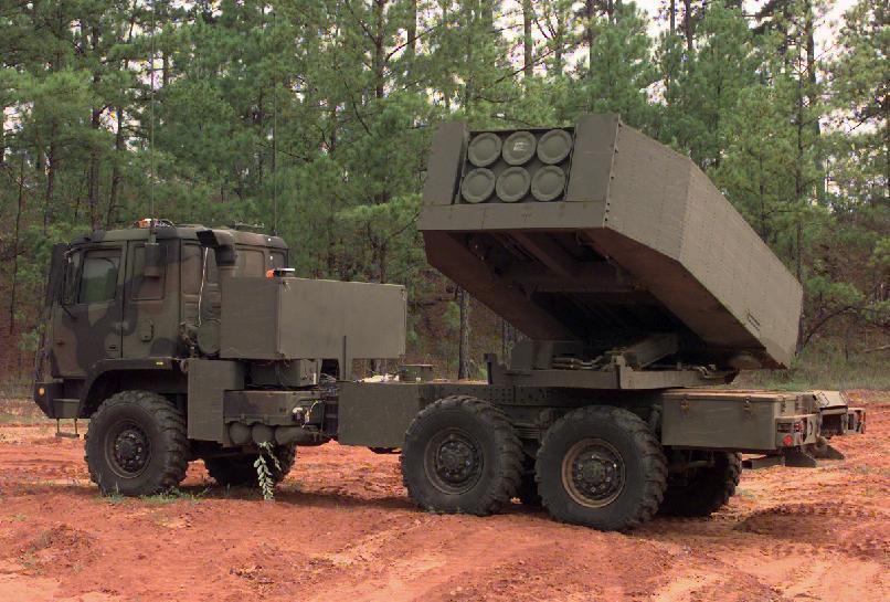 中科院人員指稱,國防部同意陸軍「轉向」對美採購海馬斯(HIMARS)多管火箭系統...