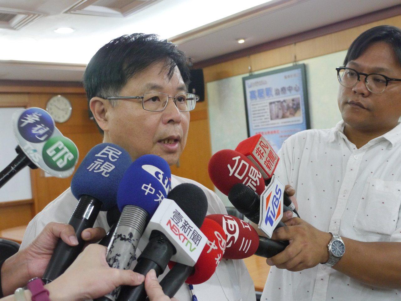 義大醫院發言人陳文旭表示,女嬰情況穩定,但血壓偏低。記者徐白櫻/攝影
