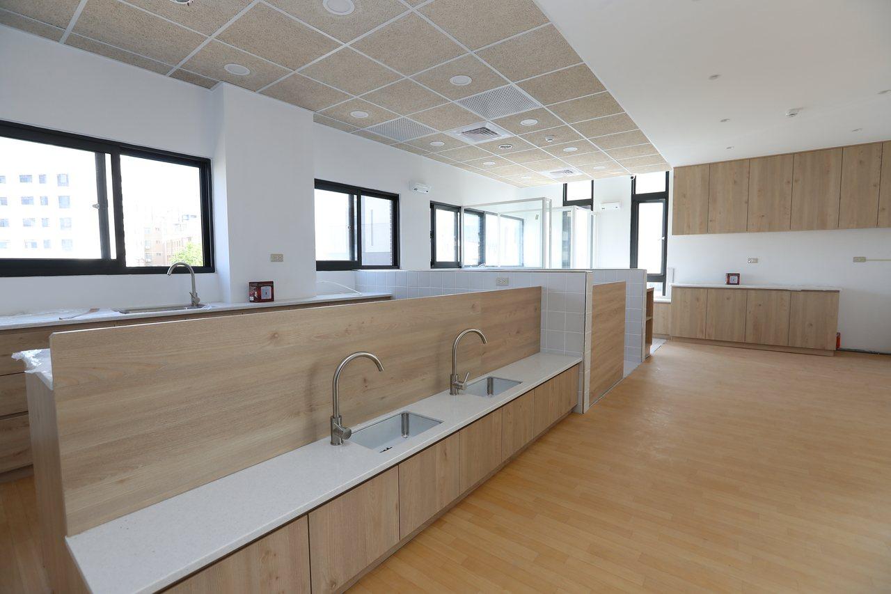 南勢社福館3樓為公托家園與定點臨托中心。圖/新竹市府提供