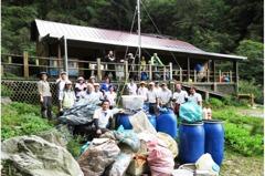 太魯閣國慶連假垃圾滿地 台灣高山嘉明湖也有相同問題