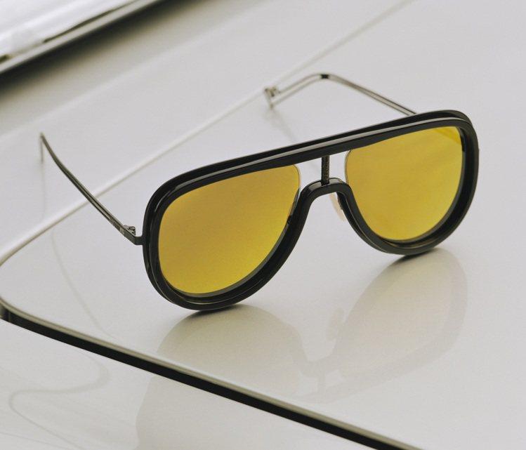 FUTURISTIC FENDI系列墨鏡,從秋冬服飾的「未來主義與古典主義」擷取...