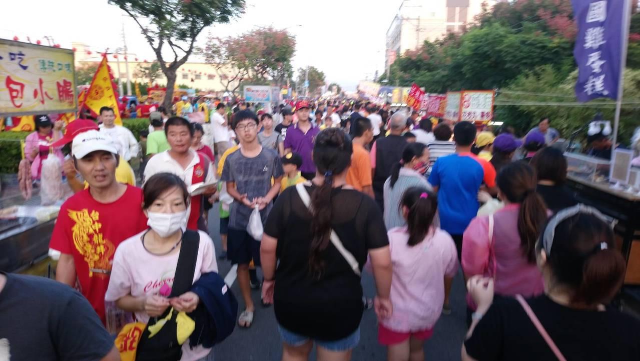 台中市梧棲區浩天宮大庄媽祖進香,今天回鑾,街道熱鬧。記者游振昇/翻攝