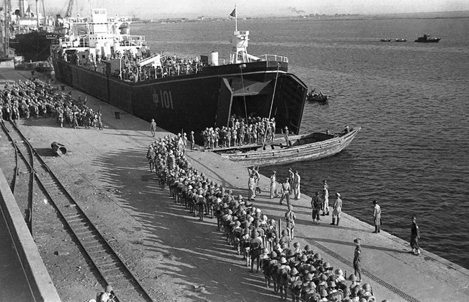 1949年8月31日,201師601、602團從高雄港登上招商局的「中101」輪...