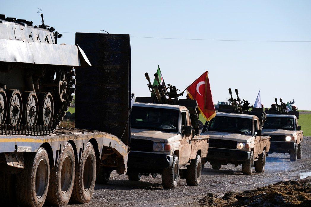 川普自敘國北部撤軍,放任土國軍隊大舉南下入侵當地。(歐新社)