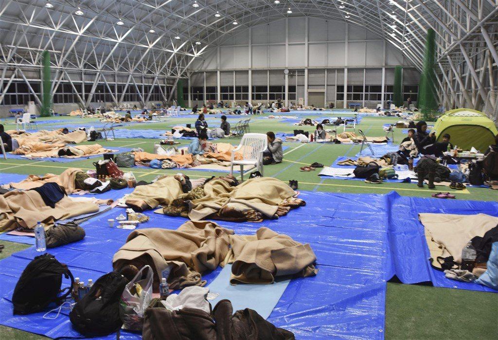 颱風哈吉貝12日到13日侵襲日本部分地區,有2名街友被東京都台東區的一處避難所拒...