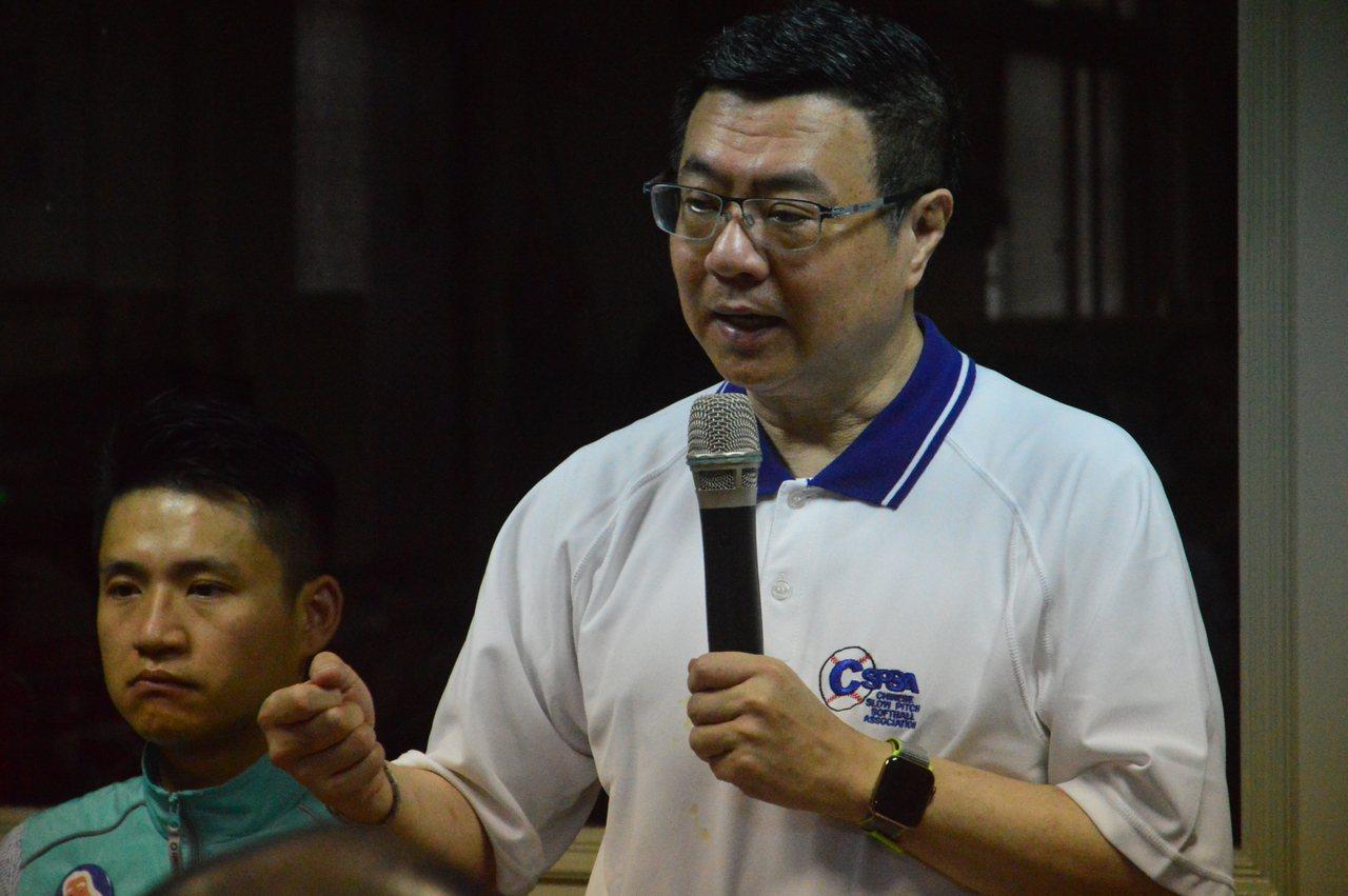 民進黨主席卓榮泰(右)表示3個月選戰策略先布防守線,再全面總進攻。聯合報系資料照...