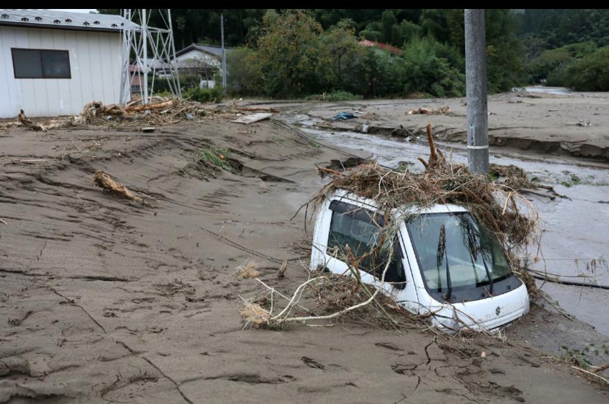 颱風哈吉貝12日到13日侵襲日本部分地區,根據日媒自行統計,至少造成43人死亡、...