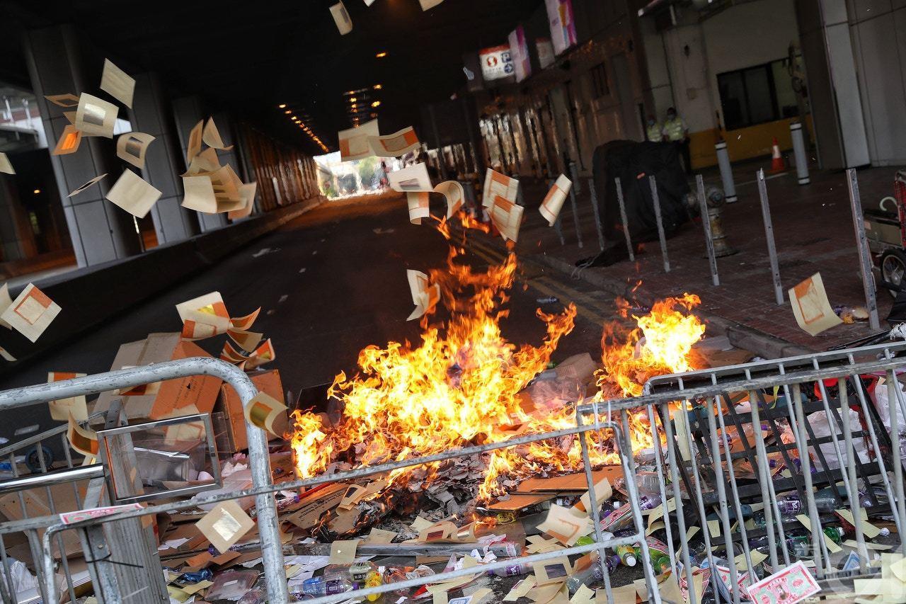 香港反送中抗爭持續不斷。圖/取自《香港01》