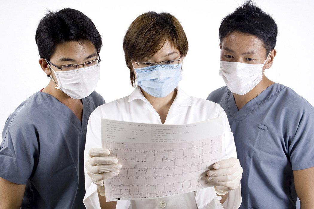 病理醫師在疾病的診斷上,地位是最崇高的,等於是判斷疾病的法官一樣。不過,病理醫師...