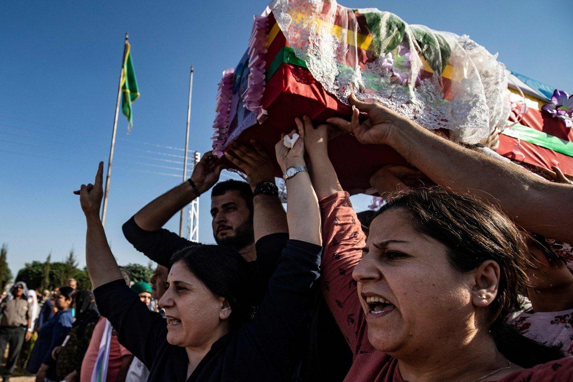 「美軍本該有協防庫德人的『道義責任』!但他們卻在最危難的關頭,背刺了我們。」SD...