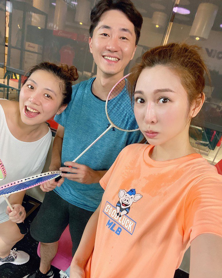 曾菀婷分享與表哥表姐一起運動的照片。圖/擷自曾菀婷臉書