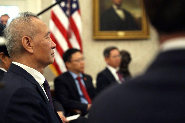 相較川普在談判會後高調宣布進展成果,劉鶴代表團倒是顯得相當保留。 圖/美聯社