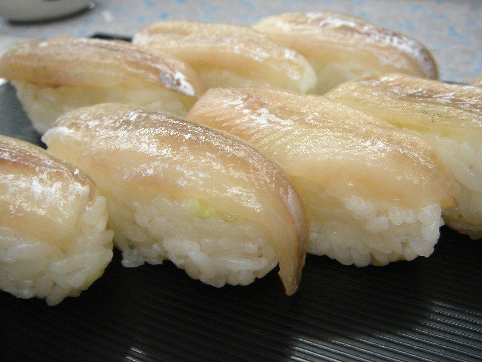 秋季限定美食1 鵡川町柳葉魚壽司