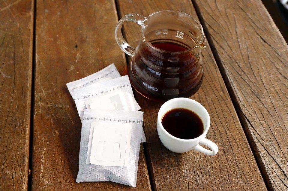 最後還能裝袋成掛耳式咖啡包,帶回家慢慢享用。