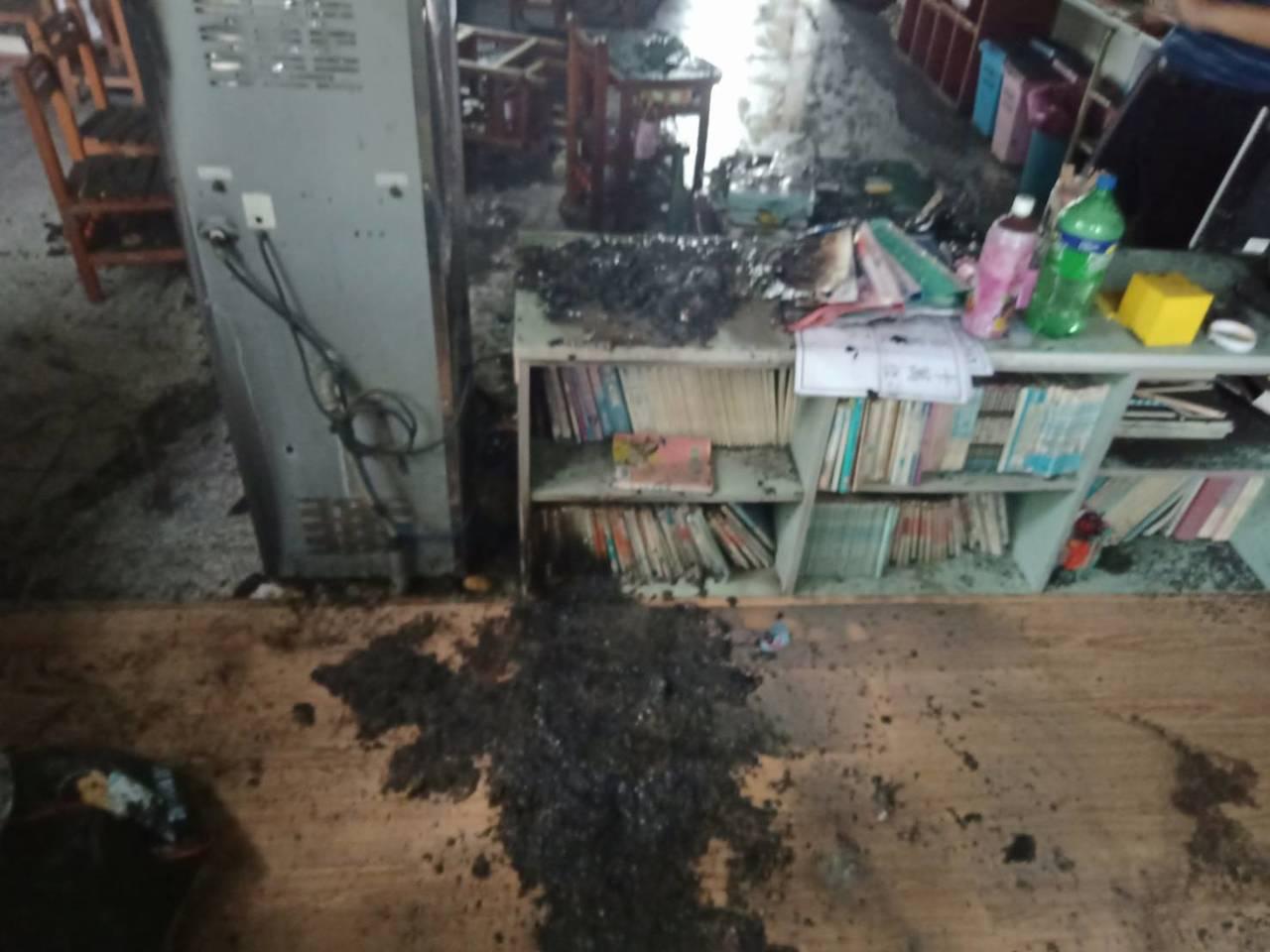 建新國小一間教室疑似飲水機引發火警。圖/彰化消防局提供