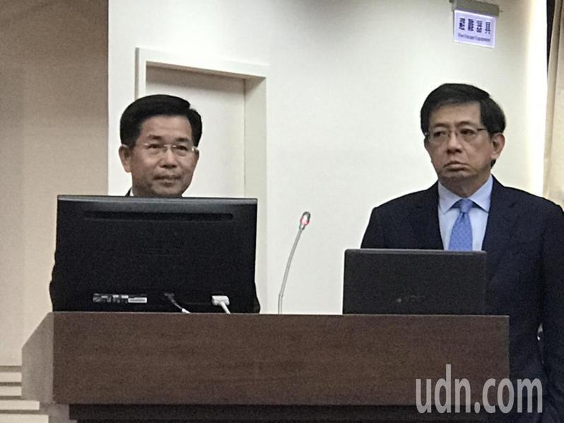 教育部長潘文忠(左)和台大校長管中閔今天首度同時站上教委會備詢台。記者馮靖惠/攝影