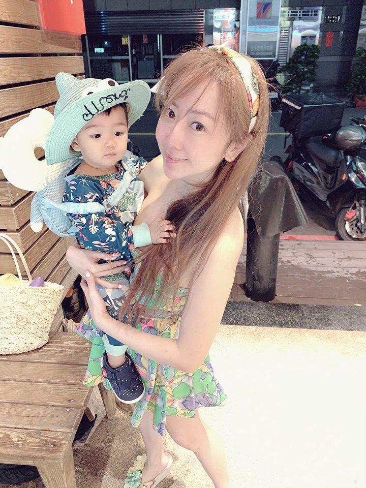 T妹育有1歲多兒子T寶。圖/摘自臉書