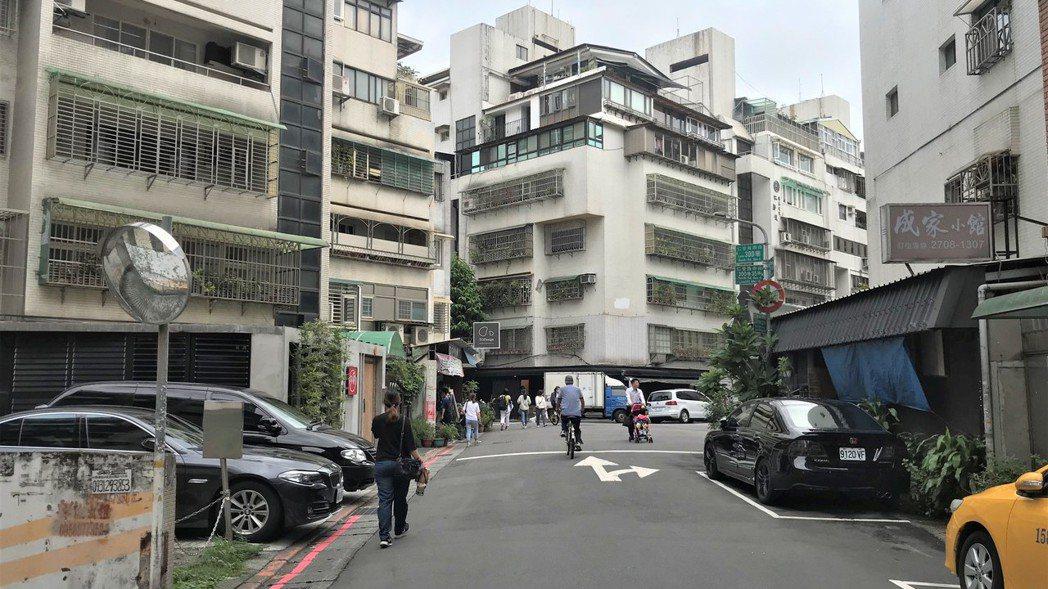 仁愛路四段300巷街景  記者游智文/攝影