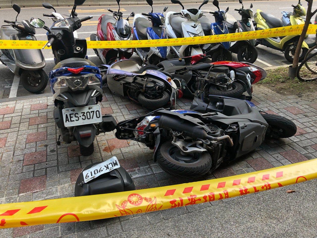 一名邱姓男子疑似開車病發,在台北市失控撞傷3人。圖/警方提供