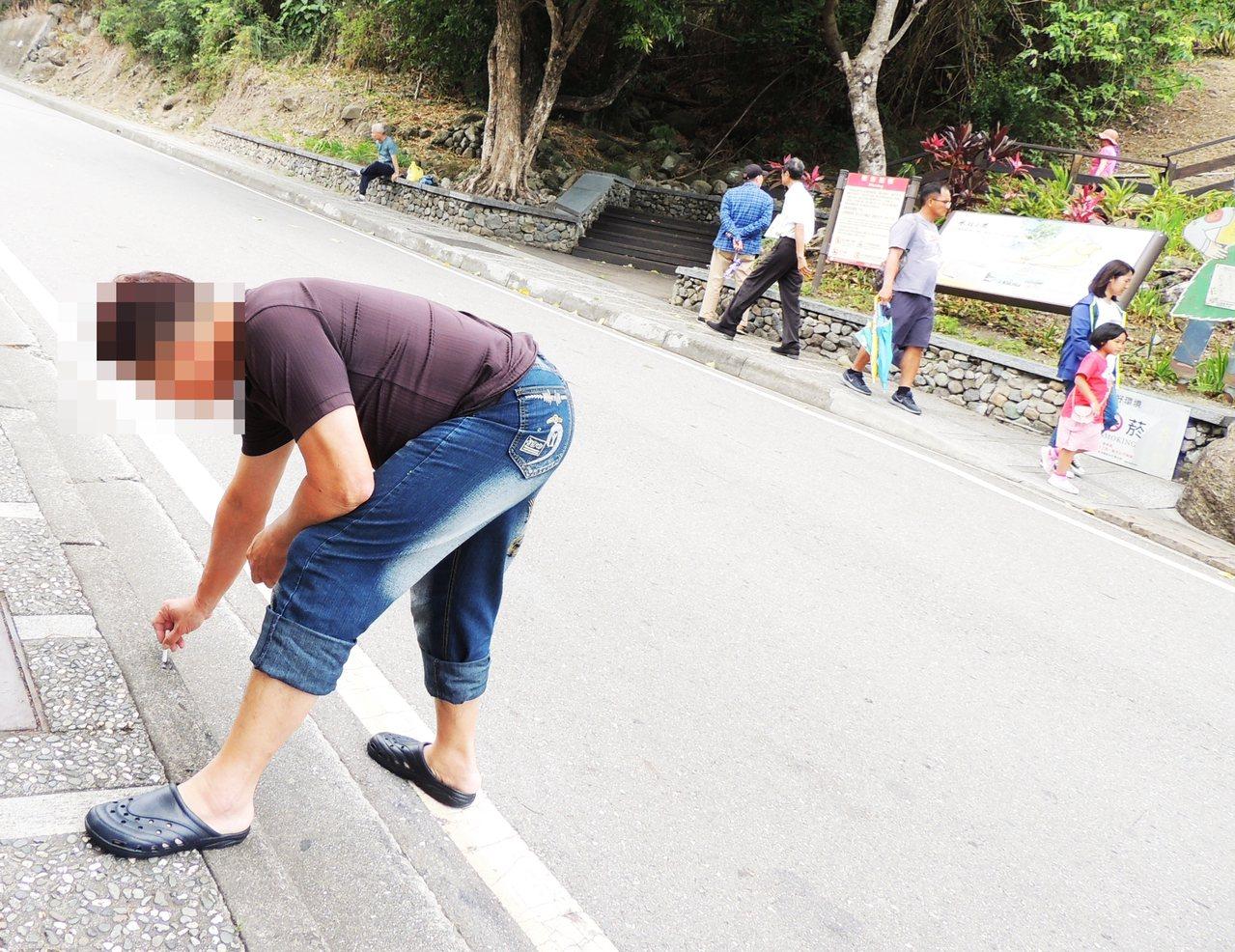 台東縣今年9月底前,民眾拍照檢舉亂丟菸蒂、垃圾,亂吐痰及檳榔汁成案件數共2919...