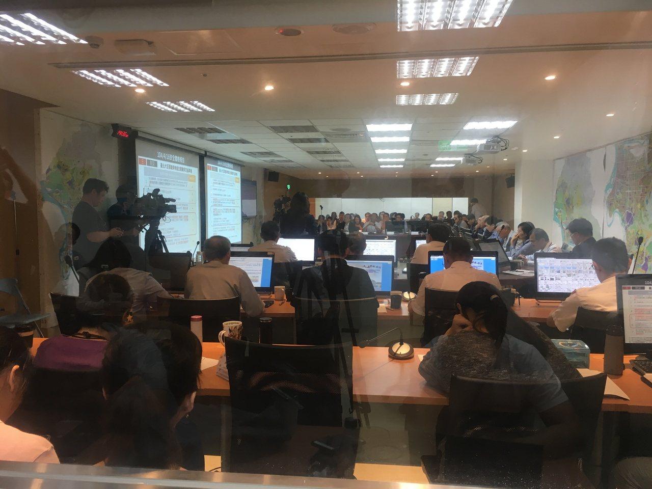 大巨蛋今天下午第7度闖進台北市都市設計審議委員會。記者張世杰/攝影