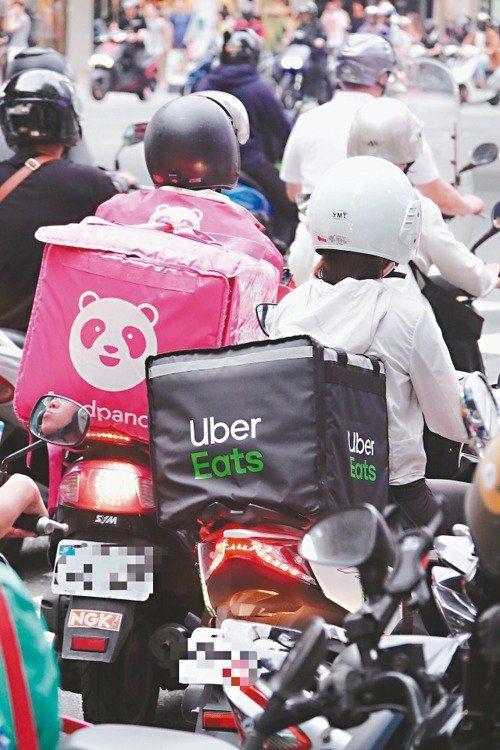 國慶連假一連發生2起食物外送員死亡車禍,引發各界矚目。報系資料照