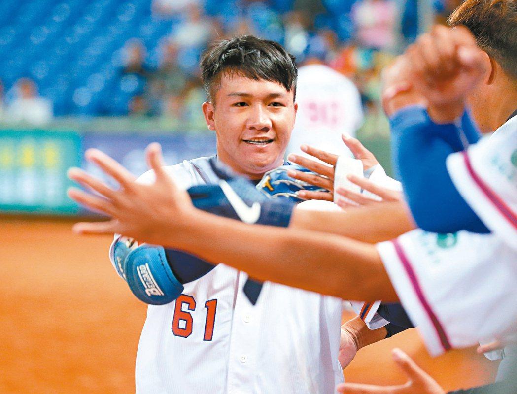 楊振裕敲出亞錦賽中華隊第一支全壘打。 記者余承翰/攝影