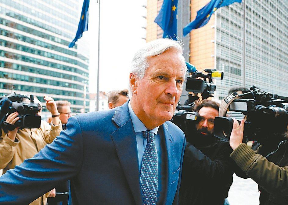 歐盟負責英國脫歐談判的主談代表巴尼耶向歐盟成員國政府代表簡報與英國的協商進度時表...