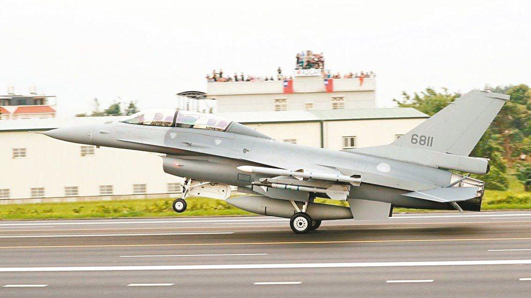 完成構改的空軍F-16V戰機。 路透