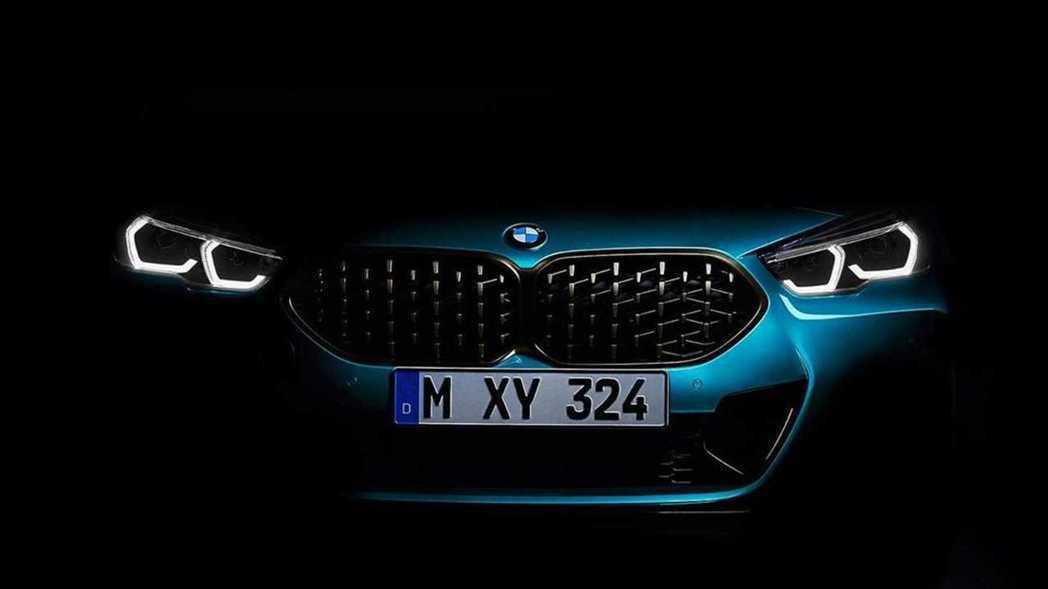 全新BMW 2 Series Gran Coupe (F44) 車頭剪影。 摘自...