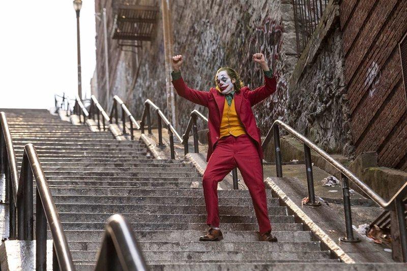 《小丑》劇照。 圖/華納兄弟提供