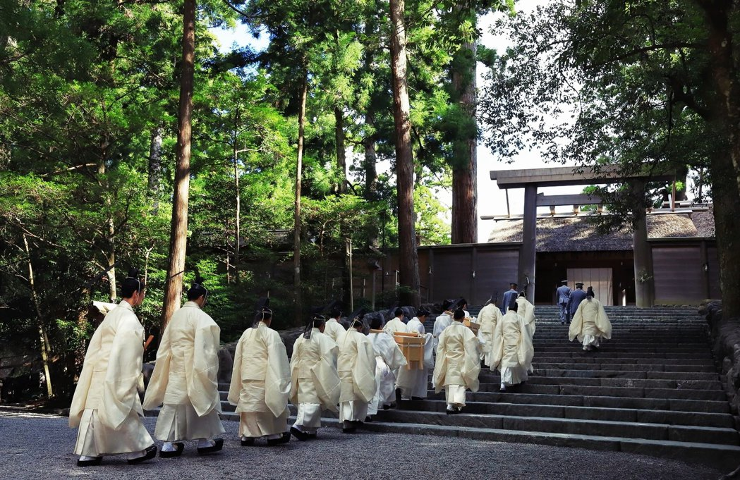 伊勢神宮被稱為「日本人的心靈原鄉」,在日本有著「日本人一生必去一次伊勢神宮」的說...