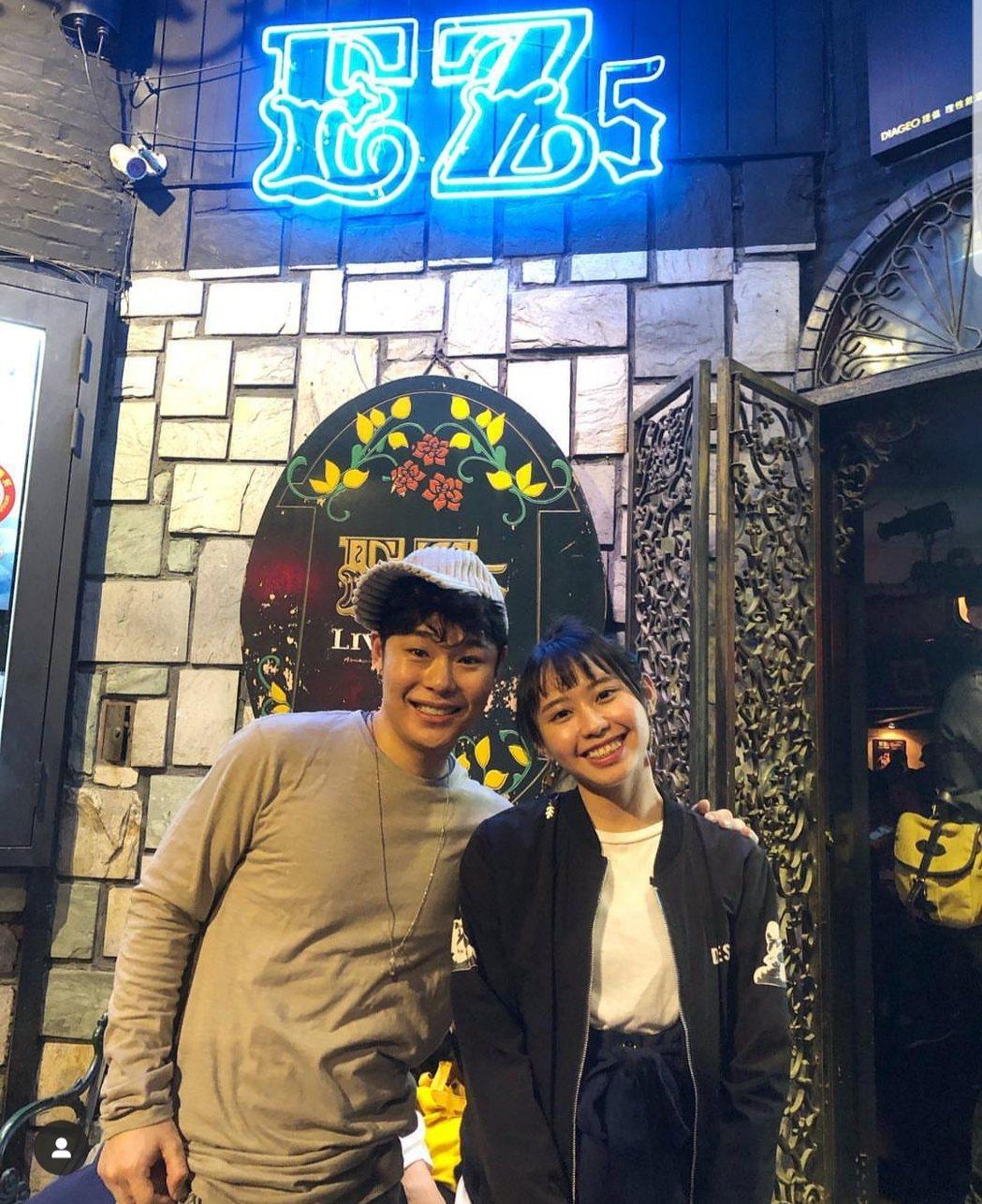 葉秉桓(左)邀請李芷婷擔任演唱會嘉賓。圖/解碼音樂提供