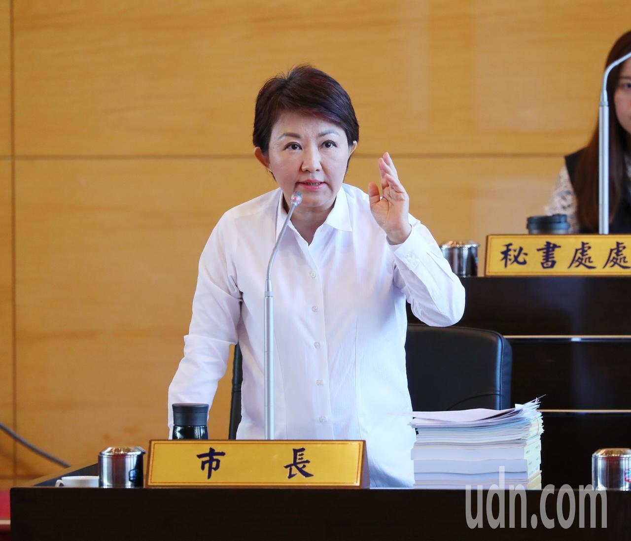 台中市長盧秀燕處理中火減煤案,表示依法辦理。記者陳秋雲/攝影
